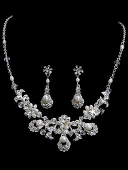 Rhodium plated cultured pearl, crystal and rhinestone necklace with matching earrings NL821