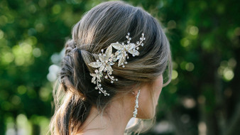 Rhinestone hair comb with metal leaf accents HC1736