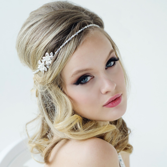 Larissa - Chic Headpiece - Ivory