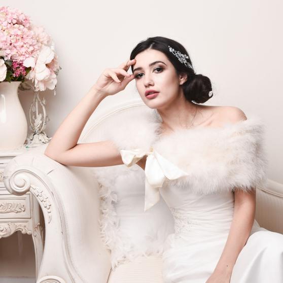 Ivory vintage inspired genuine marabou feather bridal stole.