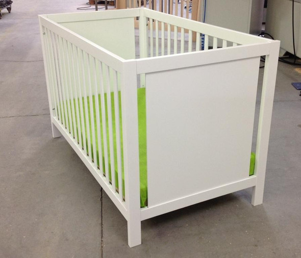 NEST Milano Collection Classic Crib in White