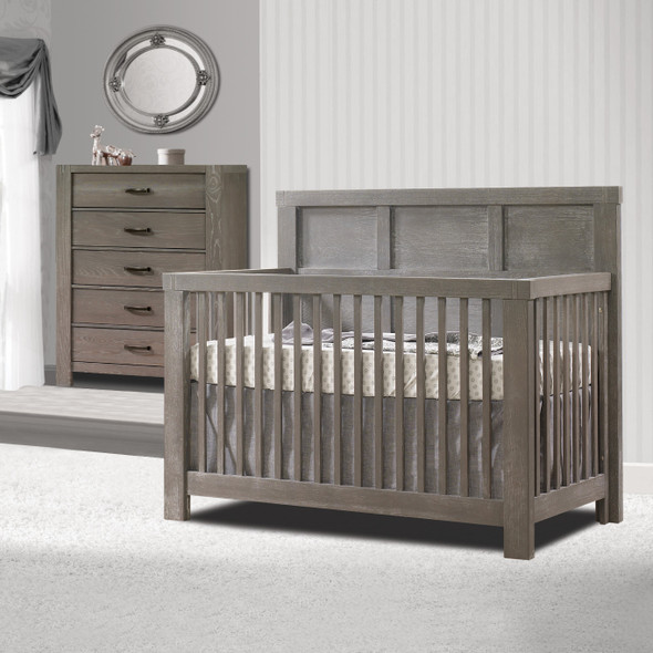 Natart Rustico 2 Piece Nursery Set in Owl-Crib and 5 Drawer Dresser