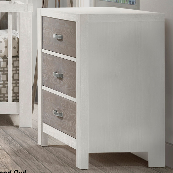 Natart Rustico Moderno Collection 3 Drawer Dresser in White and Owl