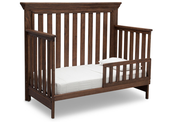 Serta Langley Toddler Rail in Rustic Oak