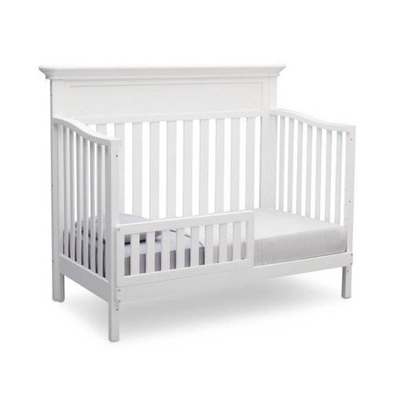 Serta Fernwood 4 in 1 Crib in Bianca