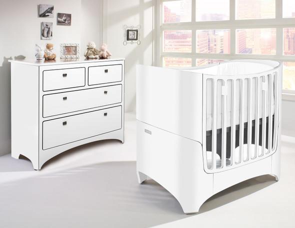 Tulip Leander 2 Piece Nursery Set in White-Crib and 4 Drawer Dresser