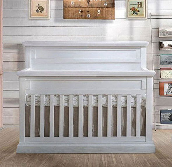 Natart Cortina Convertible Crib in White Chalet