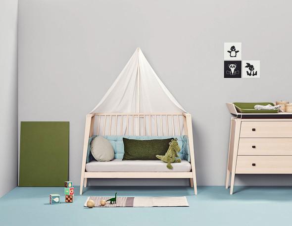 Tulip Linea Crib with Crib Mattress