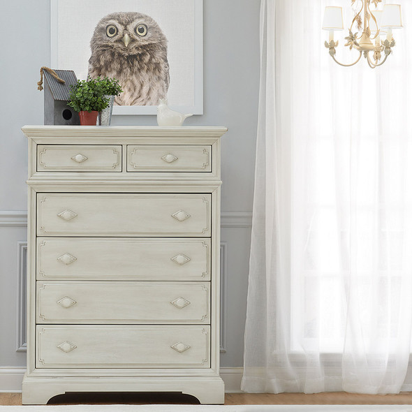 Biltmore by Heritage Amherst 6Dr Chest in Antique White