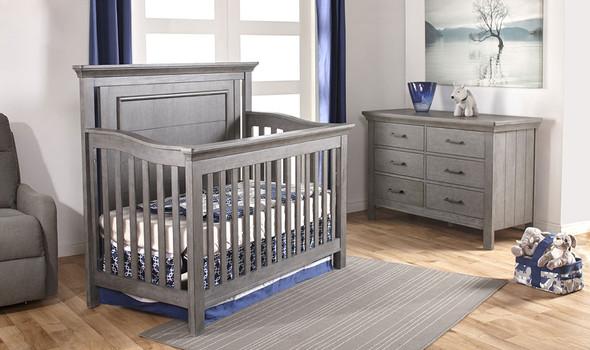Pali Como 2 Piece Nursery Set - Flat Top Crib and Double Dresser in Distressed Granite
