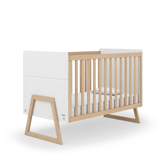 Dadada Domino Collection Baby Crib in White and Natural