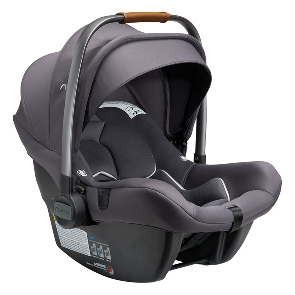 Nuna PIPA Lite R with base in Carbon