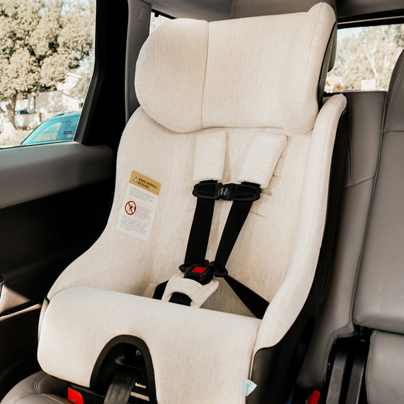 Clek Foonf Convertible Car Seat in Marshmallow