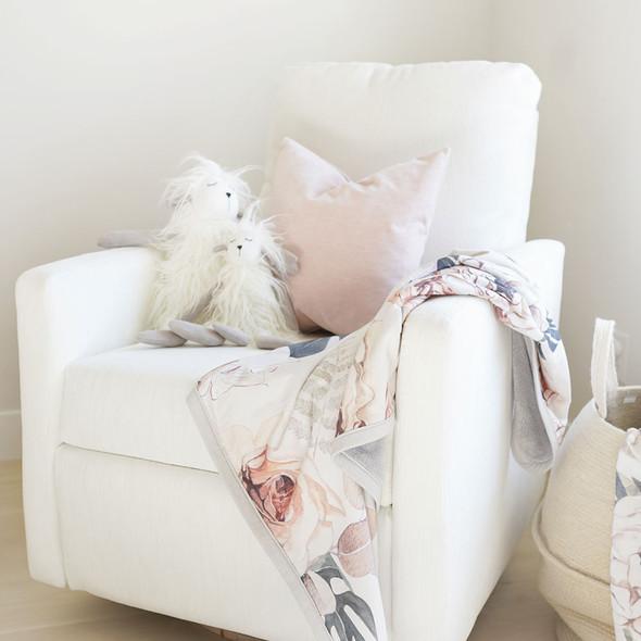 Oilo Vintage Bloom Cuddle Blanket
