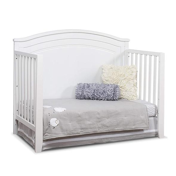 Sorelle Berkley Round Top Panel Crib in White