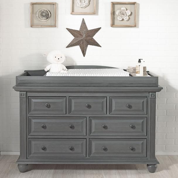 Oxford Baby London Lane 7 Drawer Dresser in Arctic Gray