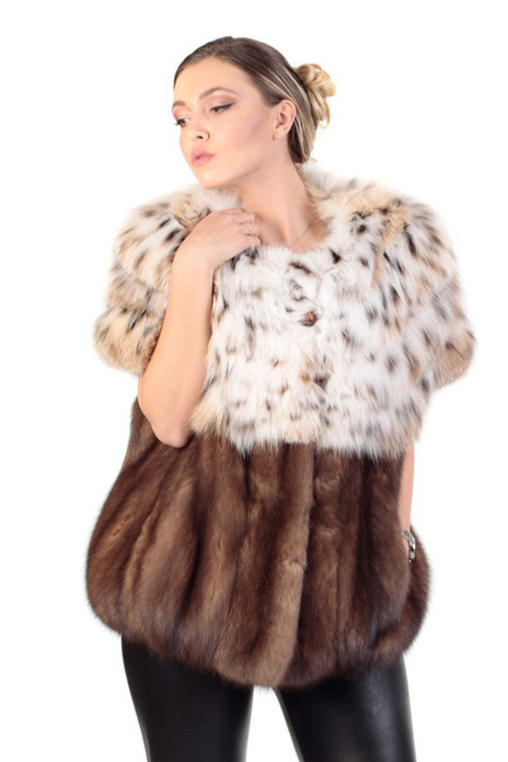 collarless lynx fur coat with short sleeves and sable fur middle bottom , adjustable waist with drawstrings
