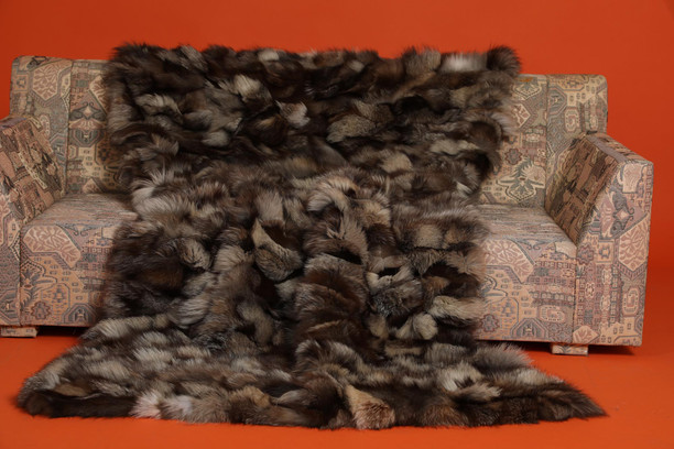 "Brown Fox Fur Blanket Throw Bedspread ""Iceberg"""