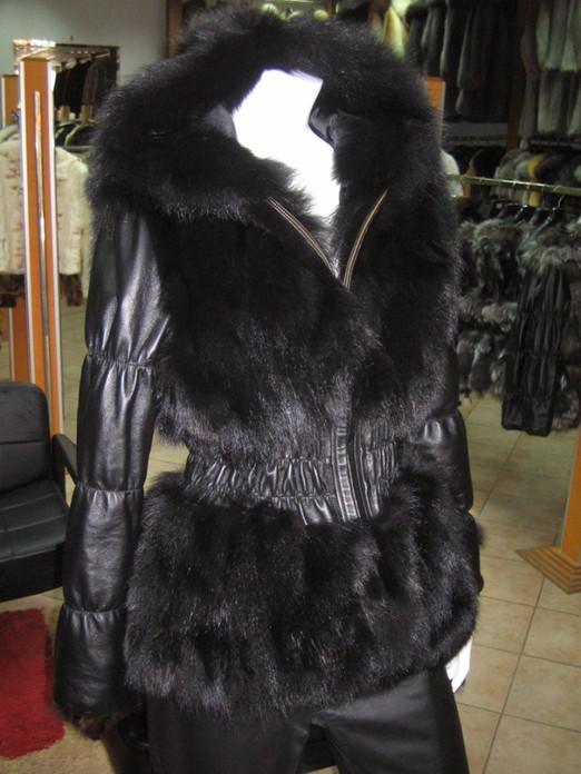 Black Fox Fur Jacket Hood leather sleeves and leather elastic waist sectional
