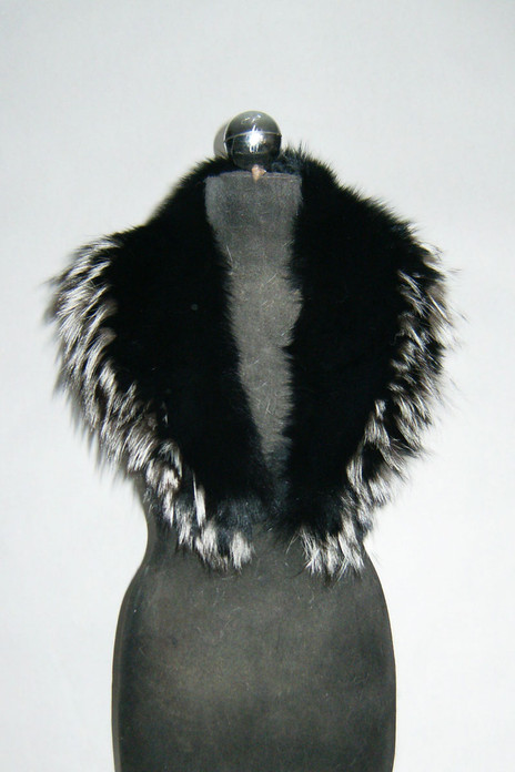 black fox fur collar with silver tips