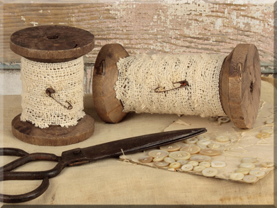 E15618 Large Wooden Spools with Lace Set (2A)
