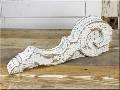 E16082 Large Ivory Corbel