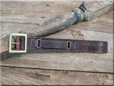 E170000 Wide Leather Bracelet w/Buckle