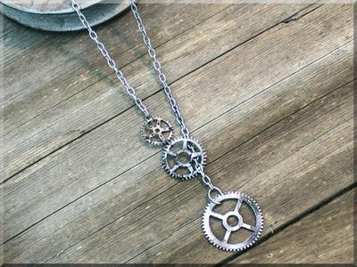 E170013 Salvage Drop Gears Necklace