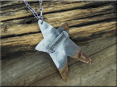 E170037 Dreamer Prim Star Necklace