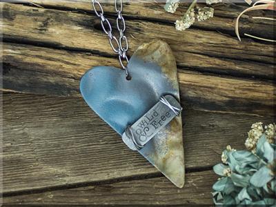 E170039 Wild & Free Prim Heart Necklace