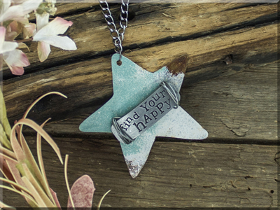 E170043 Find Your Happy Wide Star Necklace