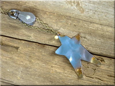 E170049 Pulley Rustic Prim Star Necklace