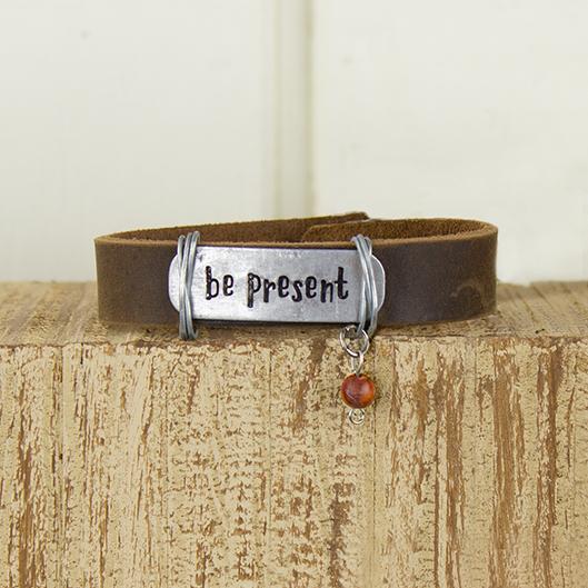 E19883 Be Present Coffee Leather Bracelet