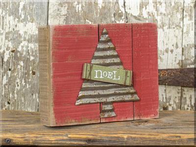 C17887 Noel w/Metal Tree Small Pallet Sign