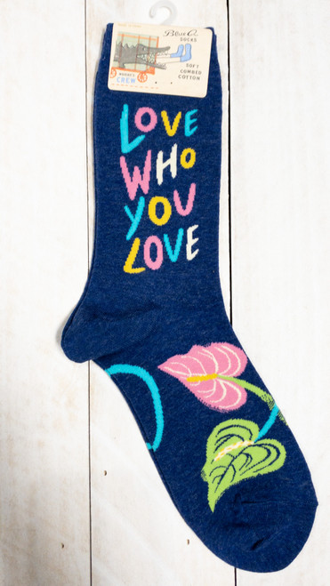 LOVE WHO YOU LOVE CREW SOCKS