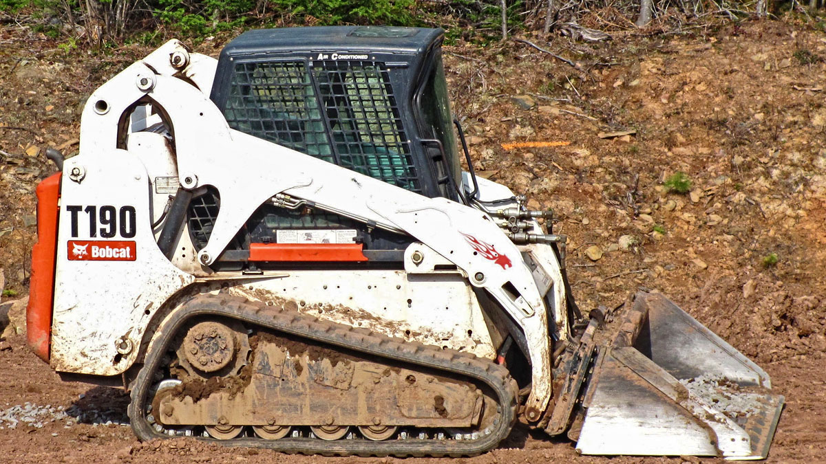 Bobcat T190 Side Compact Track Loader (CTL)