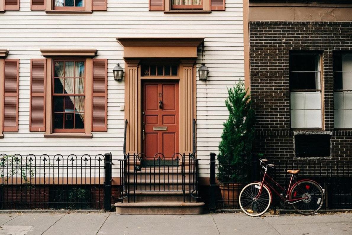 6 Light Fixtures Guaranteed To Upstage Your Next-Door Neighbor