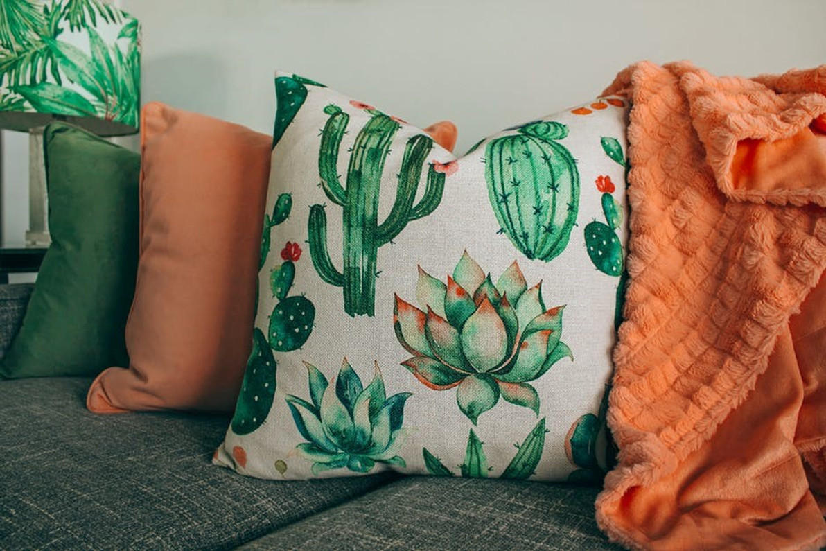 Choosing the Perfect Pillows for Your Space