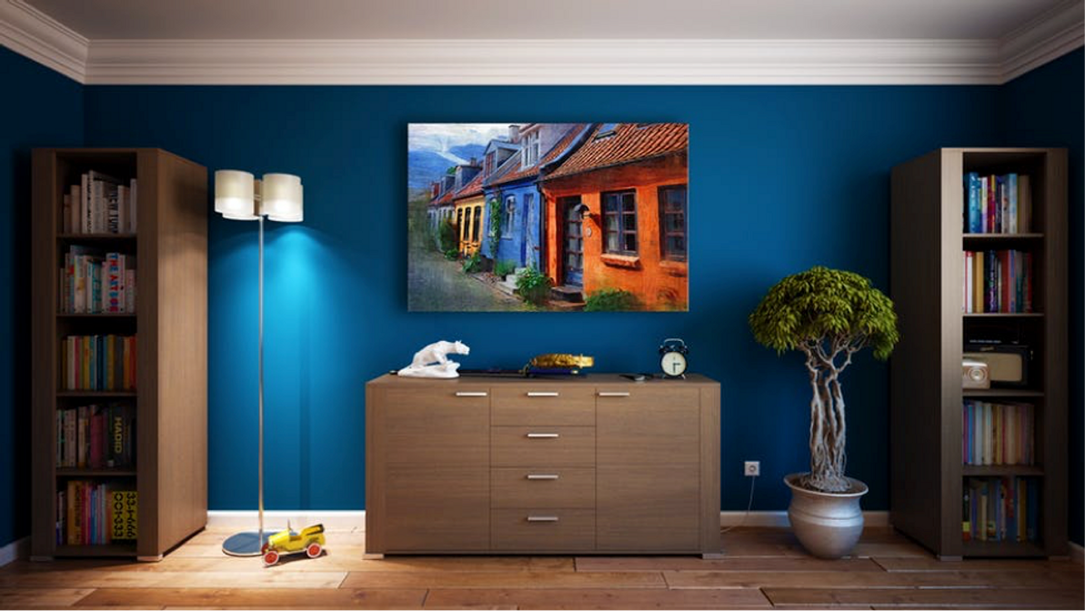 ​8 Expert Tips for Displaying Artwork in Your Home