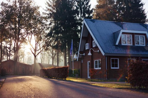 sunset lifestyle blackspot image barn light