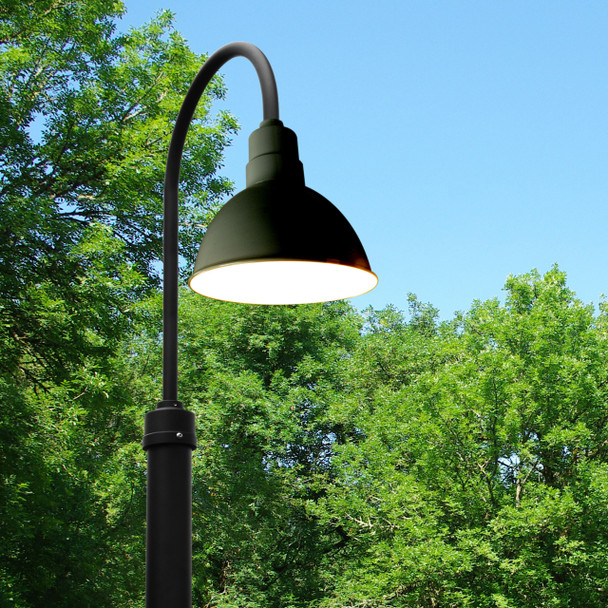 Customizable Blackspot LED Barn Lamp Post Life Style