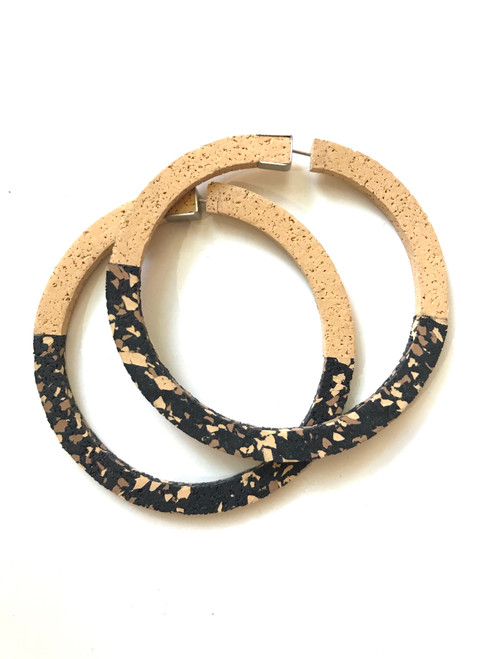CHAMP - Superlight Hoop Earrings - Large Sand and Black Speckle