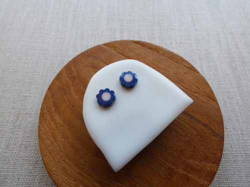 ANDO - Daisy Stud Earrings - Indigo & Pastel Pink