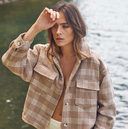LITTLE LIES -   Wool Blend Cropped Jacket in Faun Check