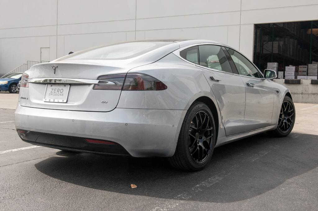 Avant Garde M610 Wheels in Matte Black on Tesla (2)