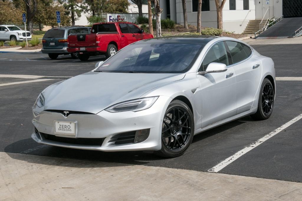 Avant Garde M610 Wheels in Matte Black on Tesla (4)
