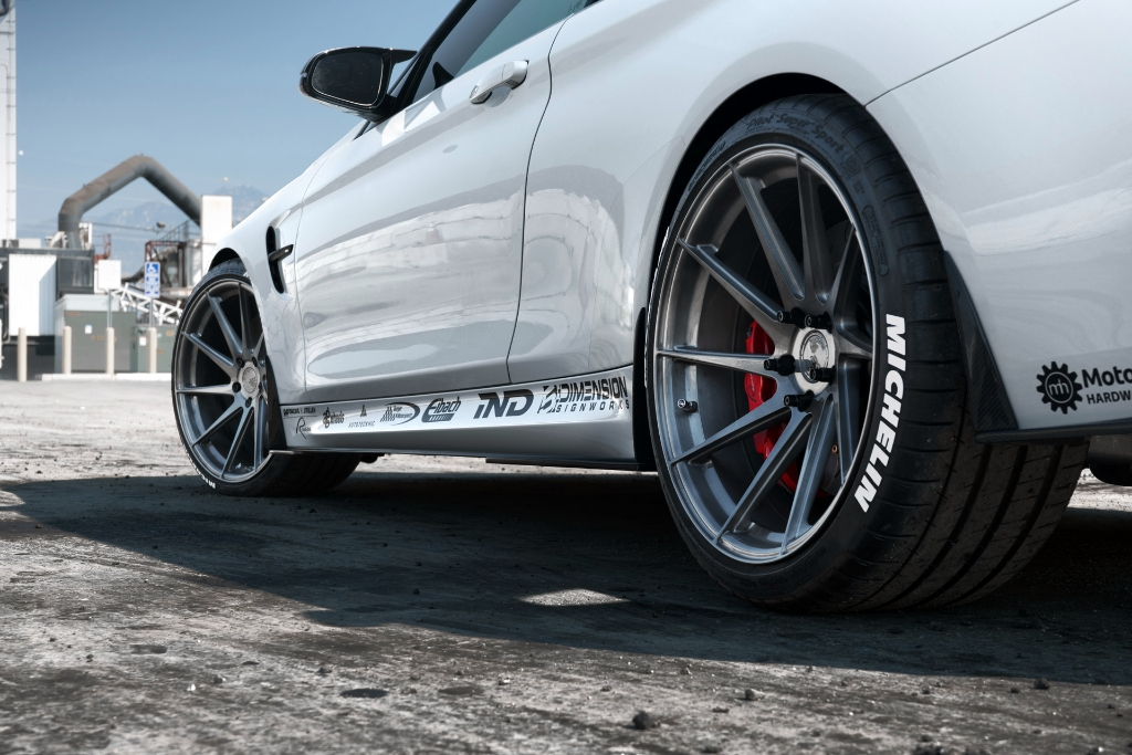 Avant Garde M621 Wheels in Brushed Grigio (2)