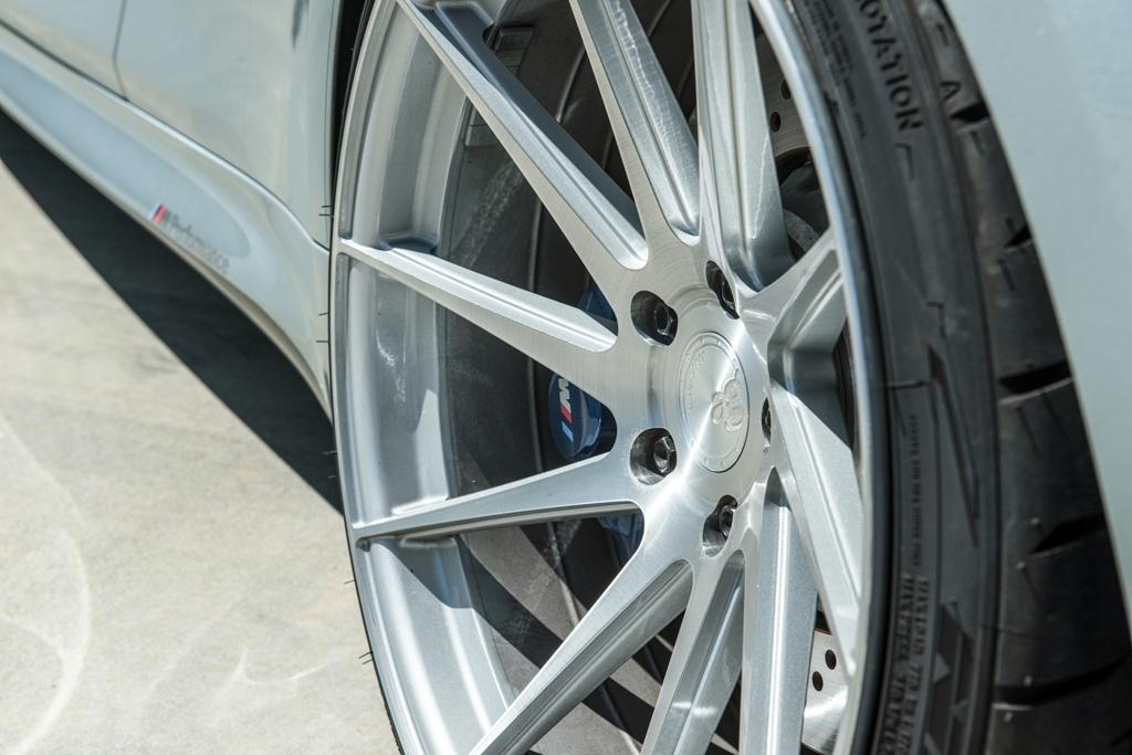Avant Garde M621 Wheels in Brushed Liquid Silver (2)