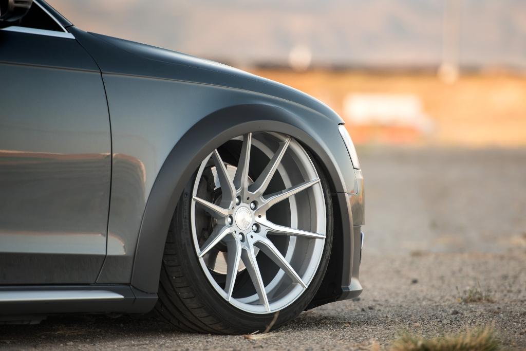 Avant Garde M652 Machine Silver on Audi Allroad (5)
