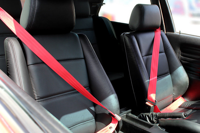 Gaphix Colored Seat Belts red 1987-1991 BMW E30 M3